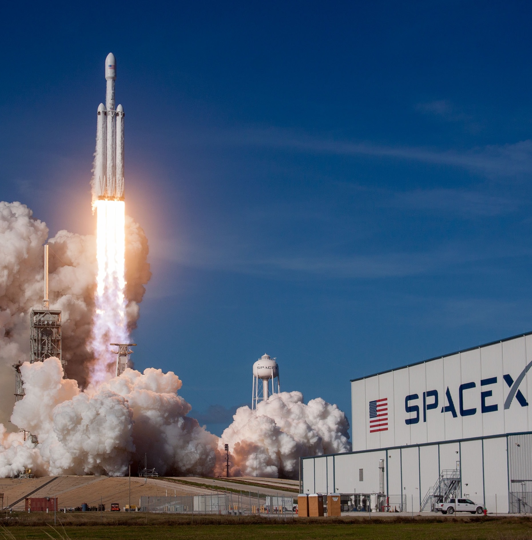 SpaceX rocket blasting off