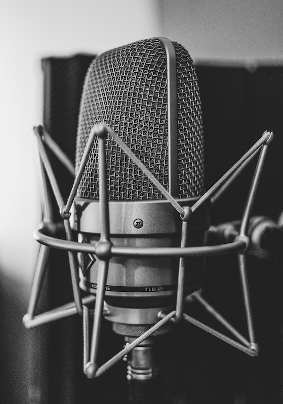 podcast microphone in stand