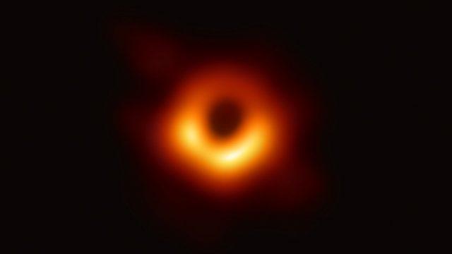 black hole image from EHT